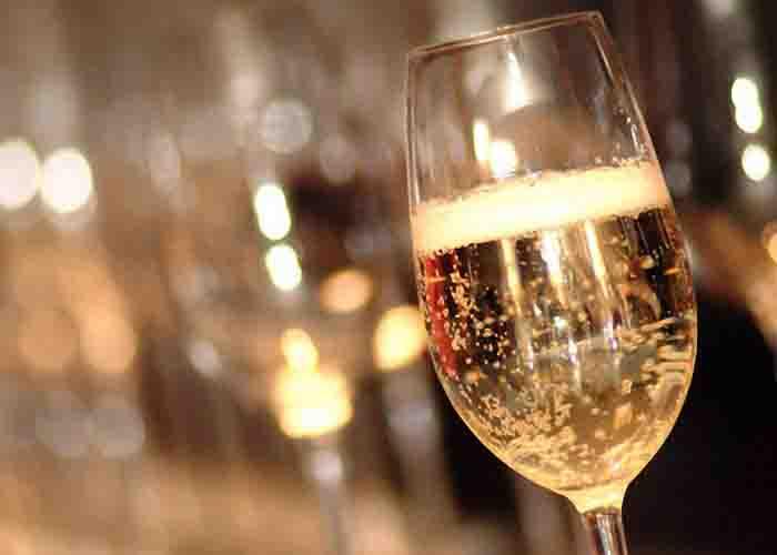 Как снизить кислотность вина