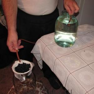 очистка самогона углем путем фильтарции