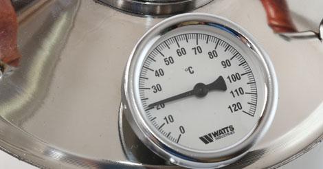 температура при самогоноварении измеряется термометром на самогоном аппарате