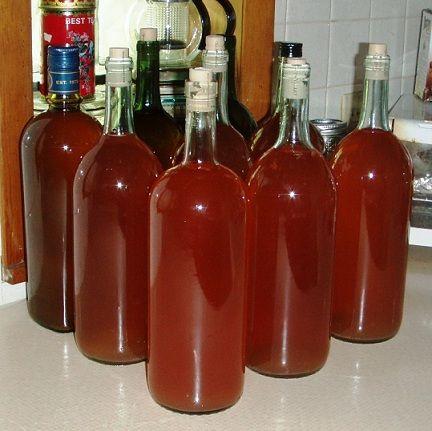 домашнее вино в бутылях