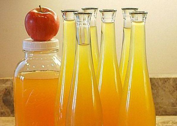 Настойка из яблок в бутылках