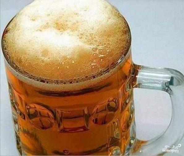 Пиво с пеной в кружке
