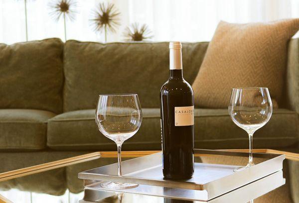 10 способов открыть вино без штопора