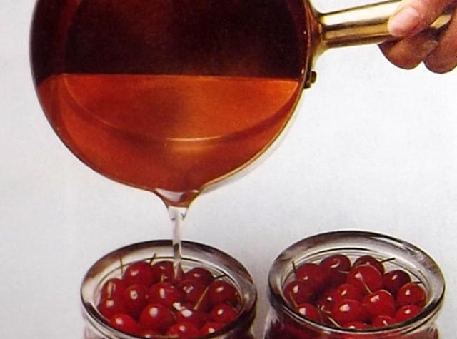 Правила приготовления вишневой настойки и наливки