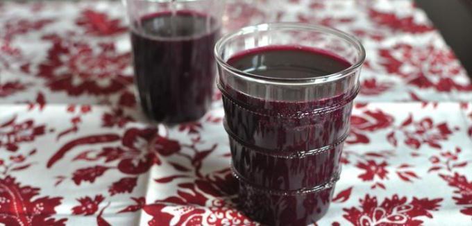Готовим вино из забродившего варенья