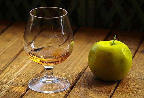 Как сделать кальвадос из яблок