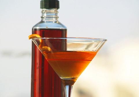 Как и с чем пьют вермут