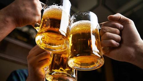 Пиво с ядом. Какие опасные компоненты добавляют в пенный напиток