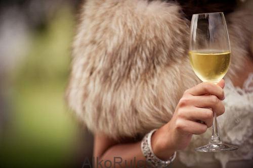 Сколько держится алкоголь в моче и крови человека