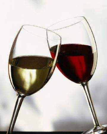 Опасен ли консервант Е220 в вине и сухофруктах