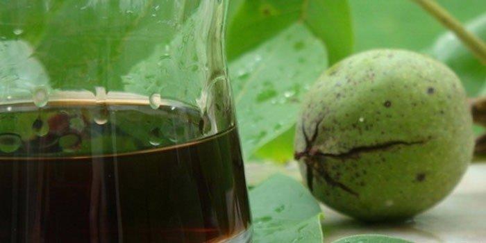 Применение настоек из  зеленого грецкого ореха